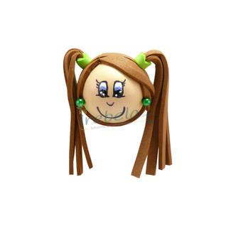 Fofubroche pelo castaño con coletas